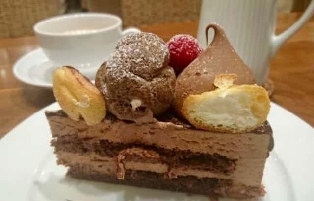 キングチョコレートケーキ